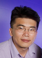 Physics professor Taekjip Ha led the research group that devised the technique that can detect subtle conformational changes of a biomolecule at an extremely low applied force.