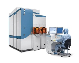 Applied Materials' UVision 3 system delivers 40% faster throughput than any brightfield inspection tool and the 20nm sensitivity needed for advanced immersion lithography. (Photo: Business Wire)
