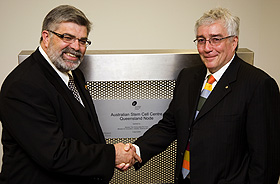 Senator The Honourable Kim Carr (left) and Vice-Chancellor Professor Paul Greenfield AO
