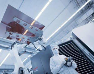 Oerlikon Solar thin-film manufacturing technology (Photo: Business Wire)