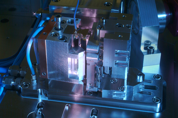 World record: 400 W femtosecond laser developed by the Fraunhofer ILT for ultra-precise materials processing