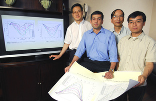 Georgia Tech researchers illustrate how their new technique improves measurement of nanostructure properties. Shown (l-r) are Zhong Lin Wang, V. Roshan Joseph, C.F. Jeff Wu and Xinwei Deng.