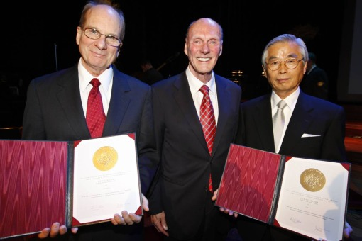 Louis Brus and Sumio Iijima received the Kavli Prize in nanoscience at an award ceremony in Oslo, Noway in September 2008. In the middle Fred Kavli who initiated the prize. Photo: H�kon Mosvold Larsen/Scanpix