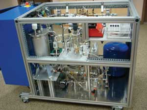 Early Warning�s analyzer feeds a concentrated water sample to its biosensor, providing rapid pathogen detection.