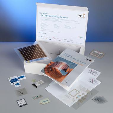 OE-A Toolbox with more than 20 different components from printed memories to a flexible solar cell (Photo: OE-A)