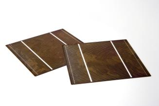 Imec epitaxial thin-film silicon solar cell on low-quality substrate with screen printed metal lines achieving efficiencies of up to 14.7%.