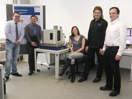 Shown with the Cypher AFM system, left to right:  Dr Lars Niemann, CSI Research Coordinator; Benjamin Holmes, Sales Manager for Atomic Force; Agnieska Voss, PhD student; Friedhelm Freiss, Service Manager for Atomic Force; and Robert Stark, Professor of Physics at Surfaces at the CSI Darmstadt.