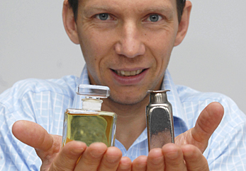 Jan Schroers and his team have developed novel metal alloys that can be blow molded into virtually any shape.
