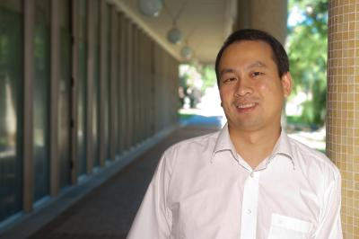 Rice University chemist Junrong Zheng will use his Packard Foundation award to build a spectrometer that can determine the conformation of molecules in three dimensions.