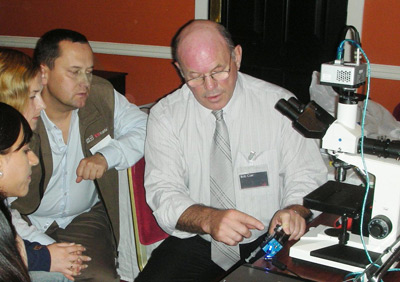 NanoSight Founder & CTO, Bob Carr, shows users how NTA works .