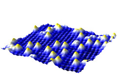 SMT-Image of the iron-oxide surface - with gold atoms on top