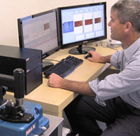 Anasys Vice President of Development, Kevin Kjoller, working with the AFM-IR nanospectroscopy system