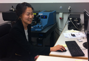 Experienced microscopist, Dr. Sunny Jeong from EPFL using the Anasys nano-IR