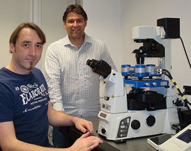 Josef Madl & Winfried R�mer of the University of Freiburg with their JPK NanoWizard� system.