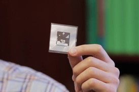 Nanotechnology Now - Press Release: Detecting gases wirelessly and cheaply: New sensor can transmit information on hazardous chemicals or food spoilage to a smartphone