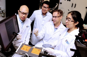 A research team led by Associate Professor Christian Nijhuis from the Department of Chemistry at the NUS Faculty of Science (second from right) has recently invented a novel 'converter' that can harness the speed and small size of plasmons for high frequency data processing and transmission in nanoelectronics.